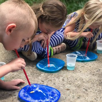 LaGrange_Montessori_Kids_Bubbles